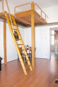 Lux Apartman, Apartments  Budapest - big - 37