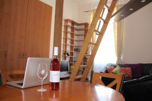 Lux Apartman, Apartments  Budapest - big - 39