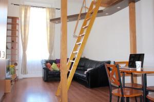 Lux Apartman, Apartments  Budapest - big - 42