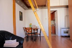 Lux Apartman, Apartments  Budapest - big - 46