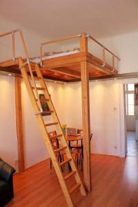 Lux Apartman, Apartments  Budapest - big - 52