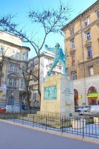 Lux Apartman, Apartments  Budapest - big - 77