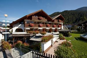 Chalets and Apartments
