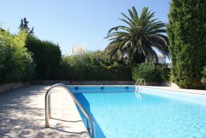 Maison Plage de la Garonette, Holiday homes  Sainte-Maxime - big - 1