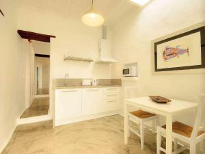 Apartment La Casa de las Salinas, Apartmány  Arrieta - big - 9