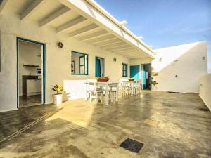 Apartment La Casa de las Salinas, Apartmány  Arrieta - big - 5