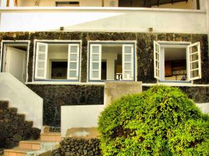 Holiday Home Casa La Marea, Sea View Sunsets, Nyaralók  Arrieta - big - 21
