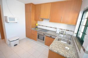 Cravinho, Apartmanok  Albufeira - big - 37