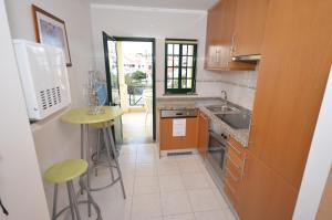 Cravinho, Apartmanok  Albufeira - big - 47
