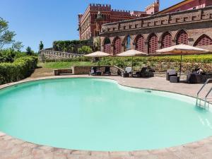 Resort Lari 7669