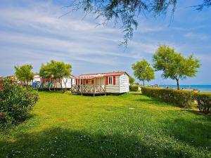 Holiday Home Camping Resort Kažela.3, Holiday homes  Medulin - big - 4