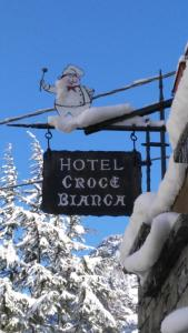 Albergo Croce Bianca - Hotel - Brusson