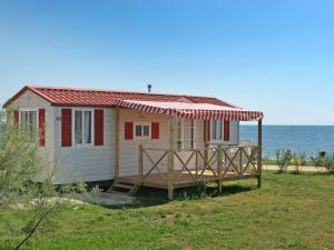 Holiday Home Camping Resort Kažela.4, Holiday homes  Medulin - big - 5
