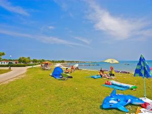 Holiday Home Camping Resort Kažela.4, Holiday homes  Medulin - big - 10