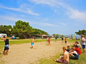 Holiday Home Camping Resort Kažela.4, Holiday homes  Medulin - big - 13
