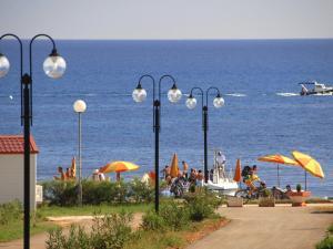Holiday Home Camping Resort Kažela.4, Holiday homes  Medulin - big - 14