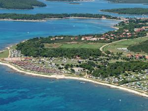 Holiday Home Camping Resort Kažela.4, Holiday homes  Medulin - big - 16