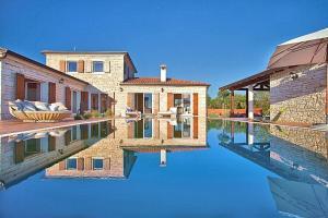 Villa Elegantia IH3801