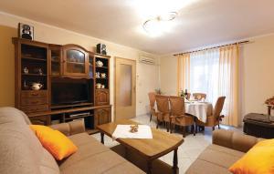 Apartment Gajana 02