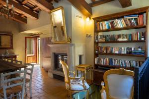 Tenuta Sant'Apollinare, Дома для отпуска  Mondaino - big - 61