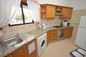 Cravinho, Apartmanok  Albufeira - big - 13