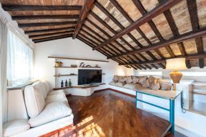 德壬子公寓 (De Renzi House)