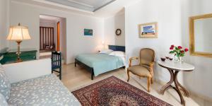Ξενοδοχείο Βίλα Ρένος (Φηρά)