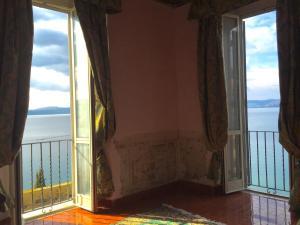 A-HOTEL.com - La Casa sul Lago, Appartamenti, Anguillara Sabazia ...