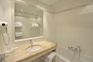 Best Western Le Donjon, Hotely  Carcassonne - big - 19