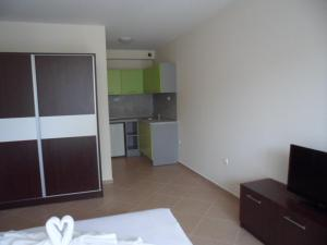 Sun & Sea Apartments, Apartments  Sunny Beach - big - 34