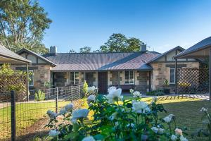 Stoneleigh Cottage Bed and Breakfast