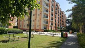 Chateau Elysee Condo Unit - Vendome, Apartments  Manila - big - 81
