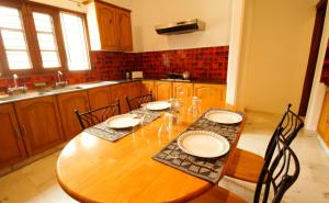 Anara Villa Service Apartments - Sainik Farm, Апартаменты  Нью-Дели - big - 27