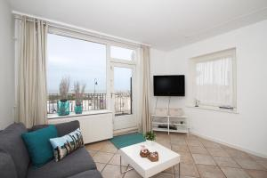 Sea & beach View apartment(Zandvoort)