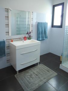 Casa Farol LightHouse, Vily  Fajã da Ovelha - big - 8