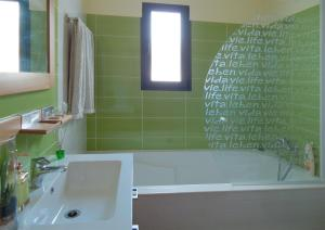 Casa Farol LightHouse, Vily  Fajã da Ovelha - big - 4