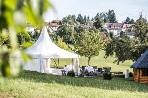 Hotel-Restaurant Vinothek Lamm, Hotels  Bad Herrenalb - big - 31