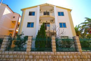 Villa Lora