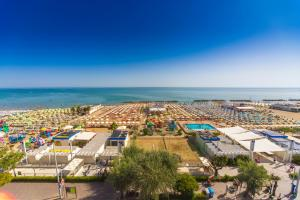 Hotel Touring, Hotels  Misano Adriatico - big - 79