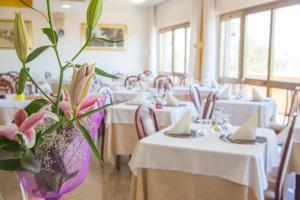 Hotel Touring, Hotels  Misano Adriatico - big - 77