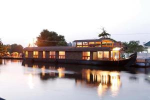 Mermaid Riverland Houseboat