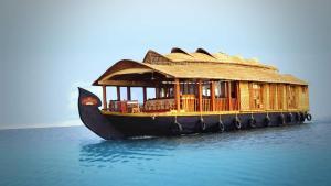 Nest riverland houseboat