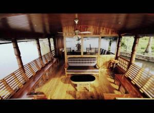 Venice Riverland Houseboat