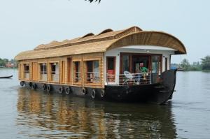 Riverland Lovedale Houseboat