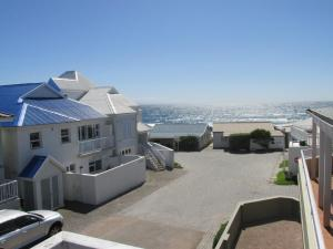 Point Village Accommodation - Hennie Top