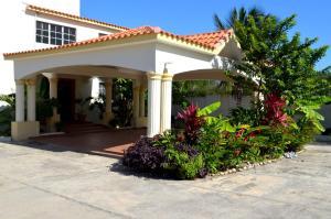 萨拉迪拉海滩俱乐部酒店