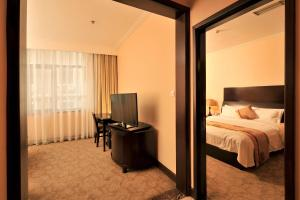 Dalian Friendship Hotel, Отели  Далянь - big - 12