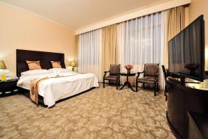 Dalian Friendship Hotel, Отели  Далянь - big - 9