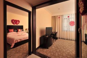 Dalian Friendship Hotel, Отели  Далянь - big - 6