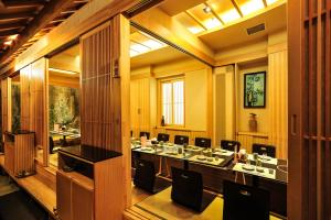 Dalian Friendship Hotel, Отели  Далянь - big - 23